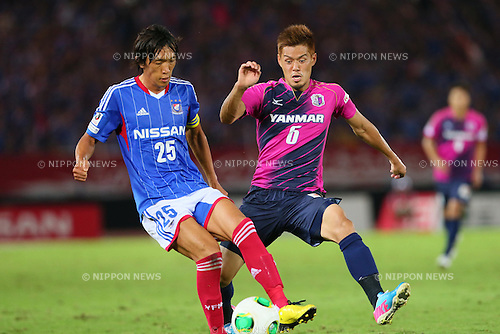 (L-R) Shunsuke Nakamura (F Marinos), SEPTEMBER 14, 2013 - Football / Soccer : <br /> 2013 J.LEAGUE Division 1, 25th Sec <br /> match between Yokohama F Marinos 1-1 Cerezo Osaka<br />  at Nissan Stadium in Kanagawa, Japan. (Photo by AFLO SPORT) [1156]