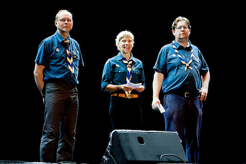 Camp chiefs Lasse Karlsson, Marie Reinicke and Göran Hägerdal are giving the welcome-speech. Photo: Kim Rask/Scouterna
