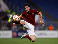 Calcio, Europa League: Ritorno degli ottavi di finale Roma vs Fiorentina. Roma, stadio Olimpico, 19 marzo 2015.<br /> Roma's Alessandro Florenzi controls the ball during the Europa League round of 16 second leg football match between Roma and Fiorentina at Rome's Olympic stadium, 19 March 2015.<br /> UPDATE IMAGES PRESS/Isabella Bonotto