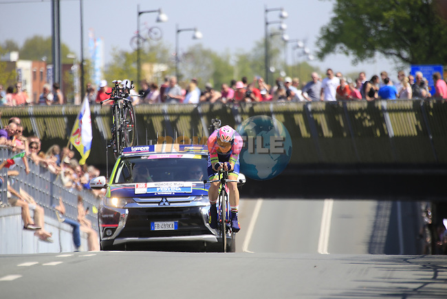 Matej Mohoric (SLO) Lampre-Merida in action during Stage 1 of the 2016 Giro d'Italia, an individual time trial of 9.8km around Apeldoorn, The Nethrerlands. 6th May 2016.<br /> Picture: Eoin Clarke | Newsfile<br /> <br /> <br /> All photos usage must carry mandatory copyright credit (&copy; Newsfile | Eoin Clarke)