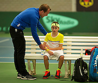 Rotterdam, The Netherlands, March 11, 2016,  TV Victoria, , NOJK 12/16 years, Fysio Jan de Wit gives a treatment to  Bjorn Schoemaker<br /> Photo: Tennisimages/Henk Koster
