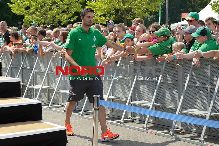 28.07.2013, Weserstadion, Bremen, GER, 1.FBL, Werder Bremen Tag der Fans 2013, im Bild Denni Avdic (Bremen #9)<br /> <br /> Foto &copy; nph / Frisch
