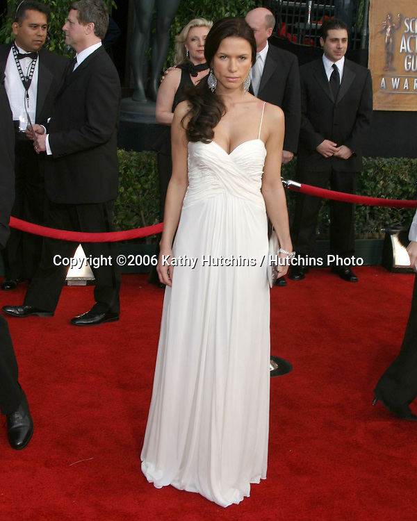 Rhona Mitra.12th Annual Screen Actors Guild  Awards.Shrine Auditorium.Los Angeles, CA.January 29, 2006.©2006 Kathy Hutchins / Hutchins Photo....