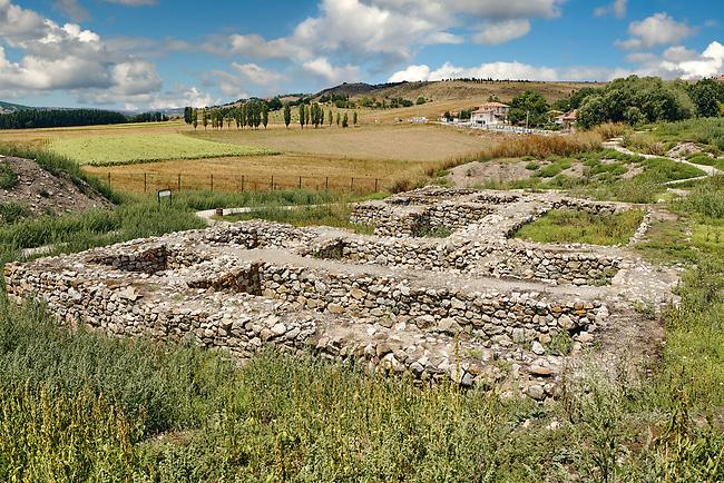 Pictures & Images of the Postern Gate, Alaca Hoyuk (Alacahoyuk) Hittite archaeological site  Alaca, Çorum Province, Turkey, Also known as Alacahüyük, Aladja-Hoyuk, Euyuk, or Evuk