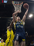 13.01.2019, EWE Arena, Oldenburg, GER, easy Credit-BBL, EWE Baskets Oldenburg vs Alba Berlin, im Bild<br /> und ab zum Korb...<br /> Rickey PAULDING (EWE Baskets Oldenburg #23 )<br /> Dennis CLIFFORD (Alba Berlin #33 )<br /> Foto © nordphoto / Rojahn