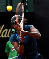BOGOTA - COLOMBIA – 12 – 04 - 2017: Sachia Vickery de Estados Unidos, devuelve la bola a Sara Errani de Italia, durante partido por el Claro Colsanitas WTA, que se realiza en el Club Los Lagartos de la ciudad de Bogota. / Sachia Vickery From United States, returns the ball to Sara Errani from Italy, during a match for the WTA Claro Colsanitas, which takes place at Los Lagartos Club in Bogota city. Photo: VizzorImage / Luis Ramirez / Staff.