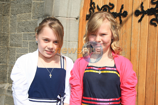 Confirmation in Collon..Sisters Suzanne and Aoife McCabe.Picture: Fran Caffrey / www.newsfile.ie.