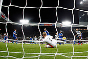 9th December 2017, St James Park, Newcastle upon Tyne, England; EPL Premier League football, Newcastle United versus Leicester City; Dwight Gayle of Newcastle United makes it 2-2 in the 73rd minute beating Kasper Schmeichel of Leicester City