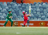 3rd November 2019; Western Australia Cricket Association Ground, Perth, Western Australia, Australia; Womens Big Bash League Cricket, Sydney Sixers verus Melbourne Stars; Alyssa Healy of the Sydney Sixers skies the ball during her innings - Editorial Use