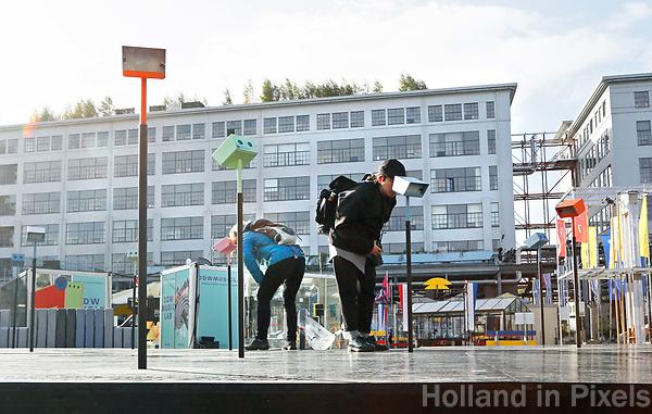 Nederland Eindhoven 2017 . DDW. Dutch Design Week. Strijp-S. Expositie. Op de achtergrond het Klokgebouw.  Foto Berlinda van Dam / Hollandse Hoogte