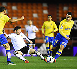 Valencia CF's Pablo Piatti  and UD Las Palmas' Roque Mesa during spanish King's Cup match. January 21, 2016. (ALTERPHOTOS/Javier Comos)