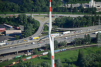DEUTSCHLAND Hamburg Nordex Windraeder des staedtischen Energieversorger Hamburg Energie auf dem Gelaende des Klaerwerk Dradenau von Hamburg Wasser, Hintergrund Autobahn<br />   /<br /> GERMANY Hamburg , Nordex wind turbine at water treatment plant of Hamburg Water