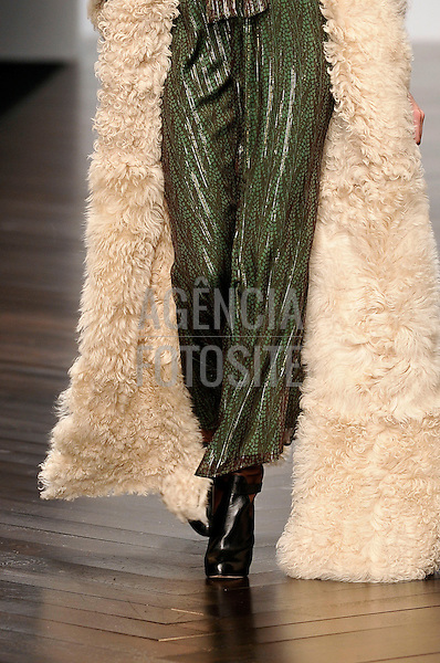 Ready to Wear Fall Winter 2013 Issa details London Fashion Week Feb 2013