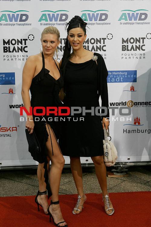 WOMENīS WORLD AWARDS<br /> <br /> Friedens-Nobelpreistr&scaron;ger Michail Gorbatschow, der Pr&scaron;sident der World Awards, im Congress Centrum Hamburg (CCH) zum ersten Mal weibliche PersŲnlichkeiten auszeichnen, die unsere Welt ver&scaron;nderten.<br /> Roter Teppich Verona Feldbusch und Magdalena Brezka<br /> Foto &copy; nordphoto/ Anja Heinemann<br /> <br /> <br /> <br /> <br /> <br /> <br /> <br />  *** Local Caption *** Foto ist honorarpflichtig! zzgl. gesetzl. MwSt.<br /> <br />  Belegexemplar erforderlich<br /> <br /> Adresse: nordphoto<br /> <br /> Georg-Reinke-Strasse 1<br /> <br /> 49377 Vechta