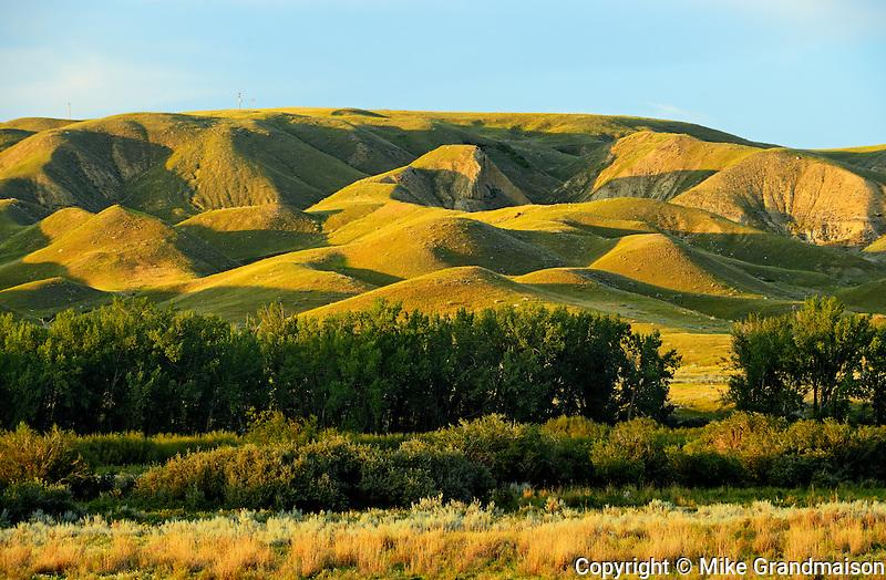 Red Deer badlands at sunset<br /> Jenner<br /> Alberta<br /> Canada