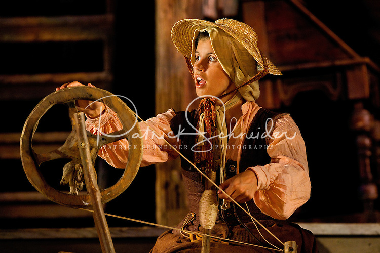 Photography of live performance theater The Lost Colony as it performed its 74th season. The Lost Colony, one of the country's longest-running outdoor symphonic dramas, is held at the Waterside Theatre on Roanoke Island in Manteo, North Carolina. Photography includes behind-the-scenes images. ..