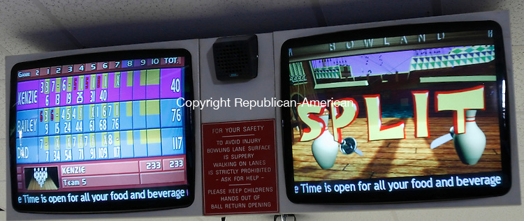 THOMASTON, CT, 01/11/08- 011109BZ13- An animated display lets spectators see a bowler left a split at Thomaston Lanes Sunday afternoon. <br />  Jamison C. Bazinet Republican-American