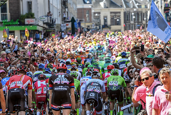 The start of Stage 3 of the 2016 Giro d'Italia running 190km from Nijmegen to Arnhem, The Nethrerlands. 8th May 2016.<br /> Picture: ANSA/Alessandro Di Meo | Newsfile<br /> <br /> <br /> All photos usage must carry mandatory copyright credit (&copy; Newsfile | ANSA/Alessandro Di Meo)