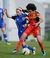 U 16 Belgian red Flames - virginia USA :<br /> <br /> duel tussen Kassandra Ndoutou Eboa Missipo (R) en Shannon Mitchell (L)<br /> <br /> foto Dirk Vuylsteke / Nikonpro.be