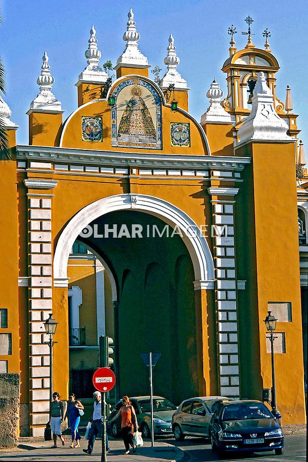 Portal de Santa Macarena em Sevilha. Espanha. 2005. Foto de Rogério Reis.