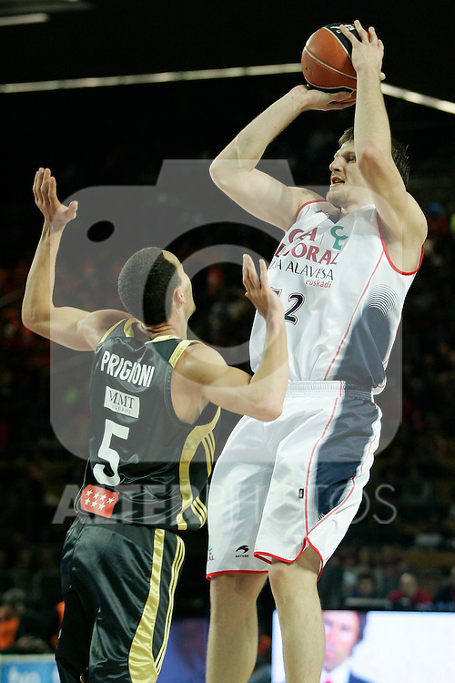 Caja Laboral's Mirza Teletovic (r) and Real Madrid's Pablo Prigioni during Spanish Basketball King's Cup match.(ALTERPHOTOS/Acero)