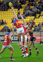 Action from the ANZAC Day AFL match between St Kilda Saints and Brisbane Lions at Westpac Stadium, Wellington, New Zealand on Friday, 25 April 2014. Photo: Dave Lintott / lintottphoto.co.nz