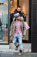 USHER enjoys some shopping in Antwerp - EXCLUSIVE - Belgium