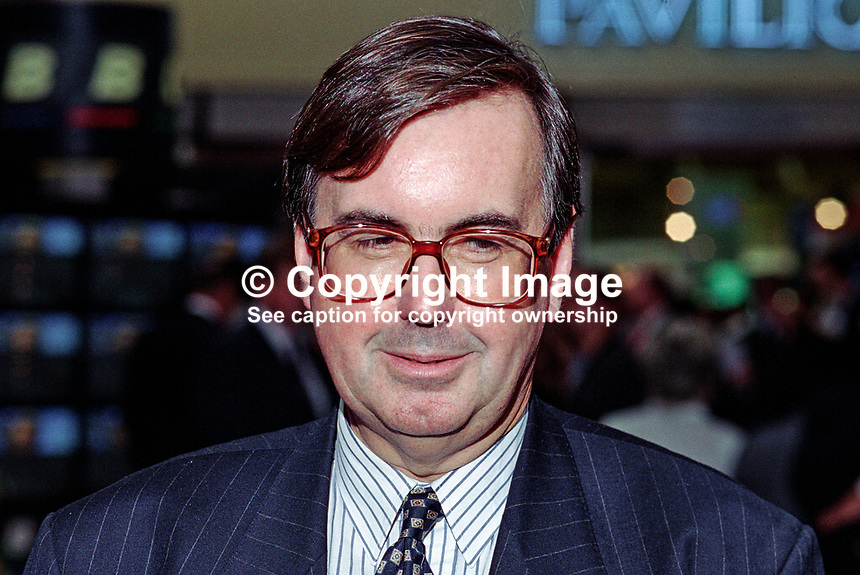 Michael Brunson, politican editor, ITN, London, 199510212.<br />