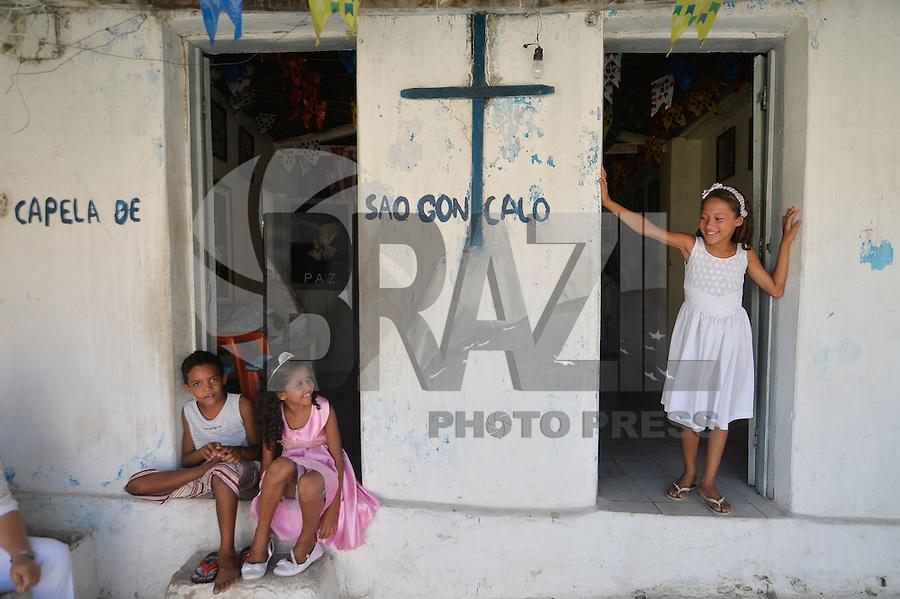 JUAZEIRO DO NORTE, CE, 31.10.2016 - ROMARIA DE PADRE CÍCERO - Capela de São Gonçalo, que fica na estrada do Horto, próximo a estátua de Padre Cícero em Juazeiro do Norte, na tarde desta segunda-feira, 31, durante Romaria de Padre Cícero.  (Foto: Levi Bianco/Brazil Photo Press)
