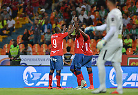MEDELLÍN - COLOMBIA, 06-10-2018:  Eduard Atuesta (C) jugador del Medellín celebra después de anotar el segundo gol de su equipo al Atletico Nacional durante el partido entre Deportivo Independiente Medellín y Atletico Nacional por la fecha 13 de la Liga Águila II 2018 jugado en el estadio Atanasio Girardot de la ciudad de Medellín. / Larry Angulo (C) player of Medellin celebrates after scoring the second goal of his team to Atletico Nacional during match between Deportivo Independiente Medellin and Atletico Nacional for the date 13 of the Aguila League II 2018 played at Atanasio Girardot stadium in Medellin city. Photo: VizzorImage/ León Monsalve / Cont