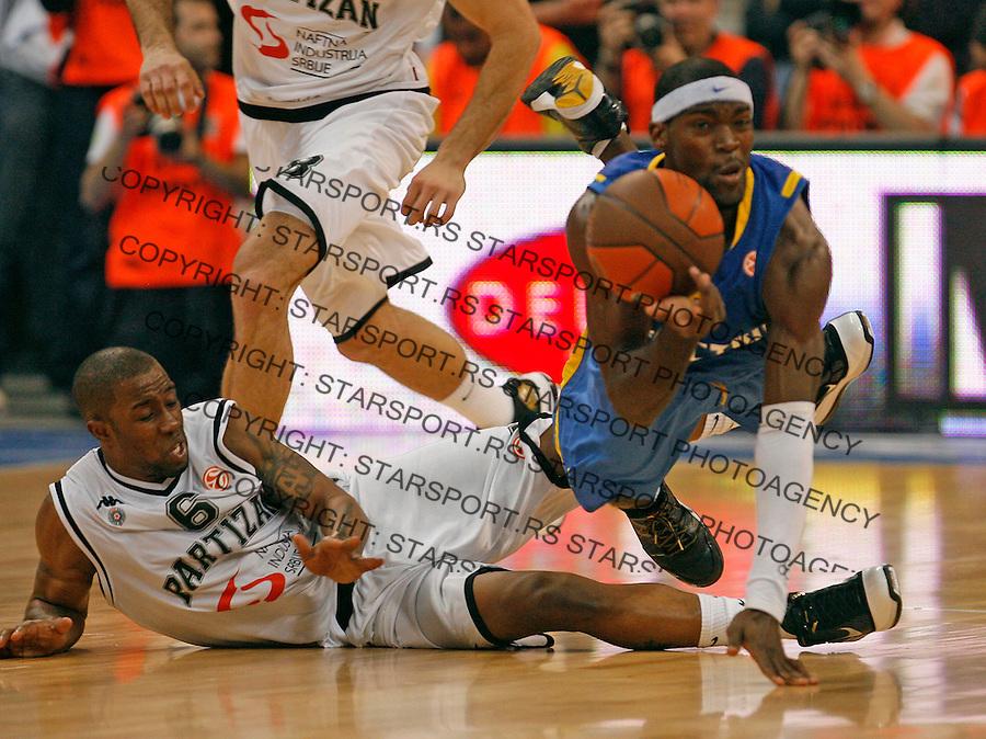 McCalebb Bo (L) Perkins Doron (R) Sport Basketball Kosarka Partizan Makabi Maccabi Euroleague Evroliga Beogradska Arena Beograd Srbija 30.3.2010. photo: Pedja Milosavljevic / +381 64 1260 959 / thepedja@gmail.com / STARSPORT 