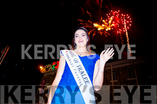 Offaly Rose, Jennifer Byrne newly crowned crowned Rose of Tralee enjoying Midnight Madness in Denny Street on Tuesday Night.