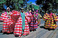 Carnaval de rua no suburbio. Rio de Janeiro. 1985. Foto de Nair Benedicto..