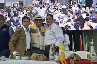 "TAMESIS, CO JULY 24: Antioquia Governor Luis Pérez Gutiérrez (L) Tamesis Mayor Alexander Zuluaga (R) and Former Tamesis Mayor Juan Martin Vasquez pose during ""Encuentro de Dirigentes del Suroeste"" in Tamesis Antioquia on July 24, 2016.(Photo by VIEWpress/Guillermo Betancur)"