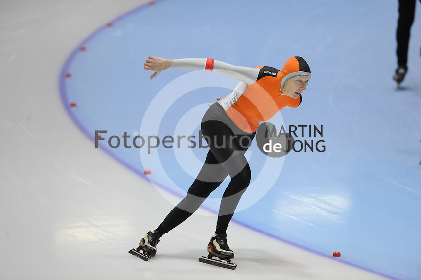 SCHAATSEN: HEERENVEEN: Thialf, 4th Masters International Speed Skating Sprint Games, 25-02-2012, Anneke Balster (F60) 3rd, ©foto: Martin de Jong