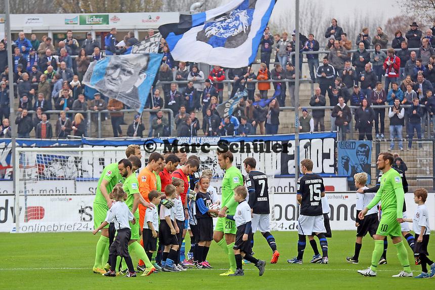 Mannschaften laufen ein - FSV Frankfurt vs. FC Erzgebirge Aue, Frankfurter Volksbank Stadion