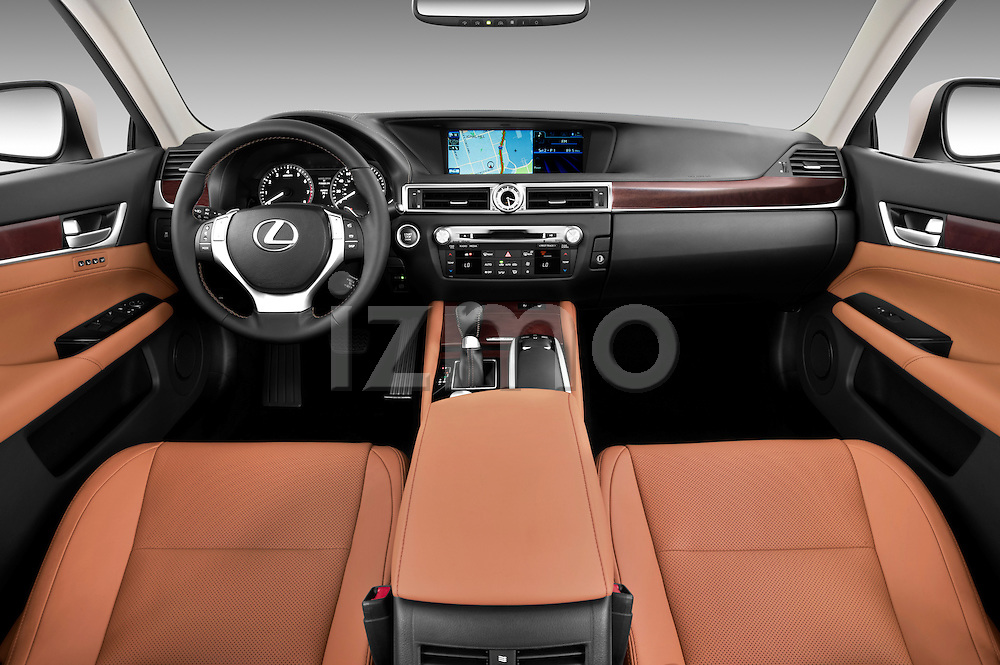 Straight dashboard view of a 2013 Lexus GS 350 .
