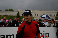 Justin Rose arrives on the 1st tee on the opening hole during the final round of the BMW PGA Championship at Wentworth Club, Surrey, England 27th May 2007 (Photo by Eoin Clarke/NEWSFILE)