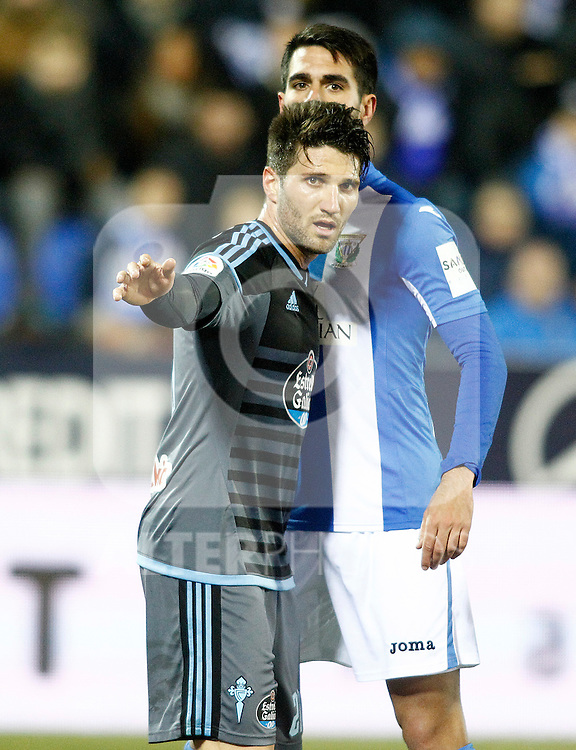 CD Leganes' Pablo Insua (b) and Celta de Vigo's Carles Planas during La Liga match. January 28,2017. (ALTERPHOTOS/Acero)
