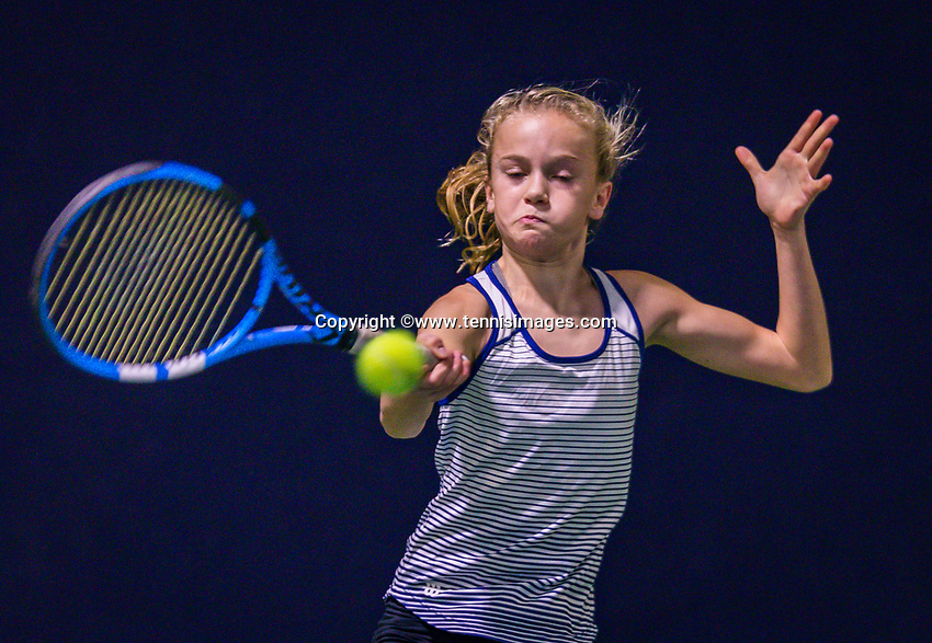 Hilversum, Netherlands, December 2, 2018, Winter Youth Circuit Masters, Evi Roobol (NED)<br /> Photo: Tennisimages/Henk Koster
