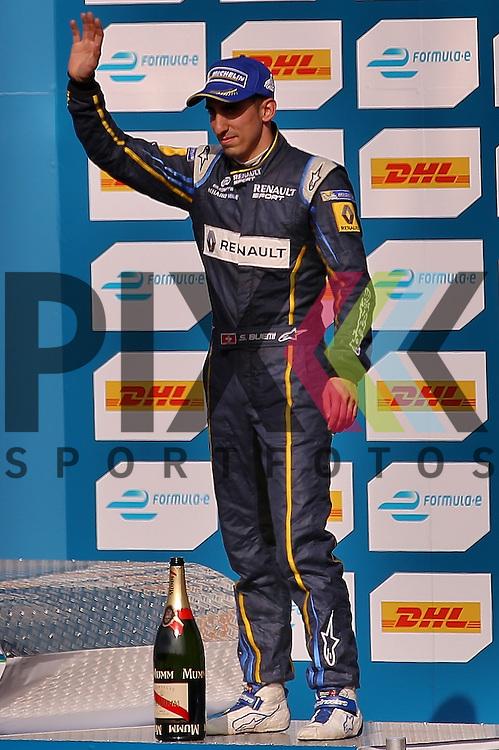 Berlin, 23.05.2015, Motorsport, FIA Formel E Championship, Formel E DHL Berlin ePrix, 8. Rennen : S&eacute;bastien Buemi (e.dams-Renault, #09), Platz 3<br /> <br /> Foto &copy; P-I-X.org *** Foto ist honorarpflichtig! *** Auf Anfrage in hoeherer Qualitaet/Aufloesung. Belegexemplar erbeten. Veroeffentlichung ausschliesslich fuer journalistisch-publizistische Zwecke. For editorial use only.