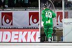 Stockholm 2015-11-18 Bandy Elitserien Hammarby IF - Sandvikens AIK :  <br /> Hammarbys Adam Gilljam p&aring; v&auml;g till utvisningsb&aring;set under matchen mellan Hammarby IF och Sandvikens AIK <br /> (Foto: Kenta J&ouml;nsson) Nyckelord:  Elitserien Bandy Zinkensdamms IP Zinkensdamm Zinken Hammarby Bajen HIF Sandviken SAIK utvisning utvisad utvisas