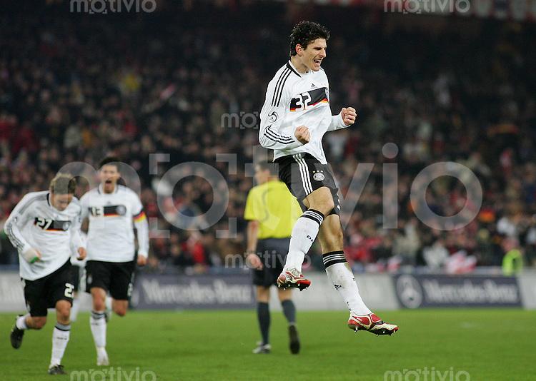 26.03.2008 Euro 2008 Vorbereitung Schweiz - Deutschland Jubel zum 2:0: Mario GOMEZ (GER).