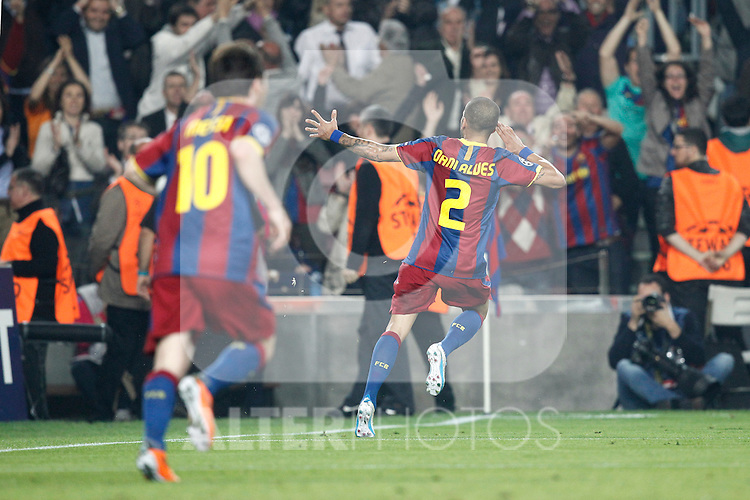 Barcelona's Daniel Alves (goal) during Champions League match on April, 6th 2011...Photo: Cesar Cebolla / ALFAQUI