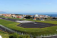 Landebahn in Santa Cruz auf der Insel Flores, Azoren, Portugal