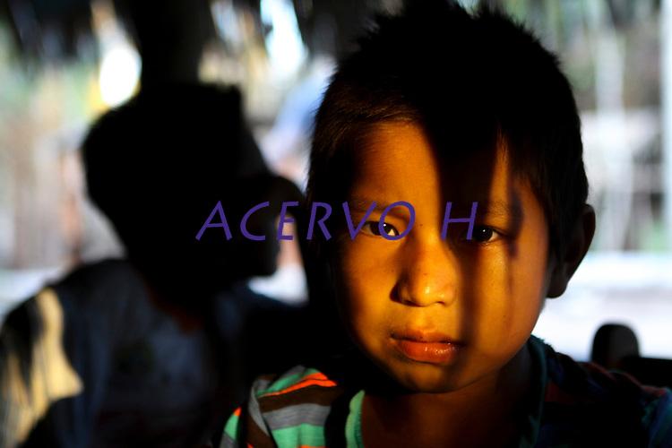 Índios da tribo Huni Kuin mais Kaxinawa na aldeia do Belo Monte no município de Feijó no Acre