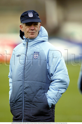 England Assistant Manager TORD GRIP, England training, Aylesbury United, Buckingham Road, Aylesbury, 021119. Photo: Neil Tingle/Action Plus...2002.Football soccer.Managers coach coaches.