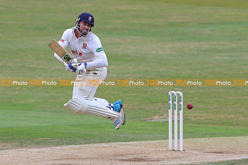 Ryan ten Doeschate in batting action for Essex during Essex CCC vs Worcestershire CCC, Specsavers County Championship Division 2 Cricket at the Essex County Ground on 2nd September 2016