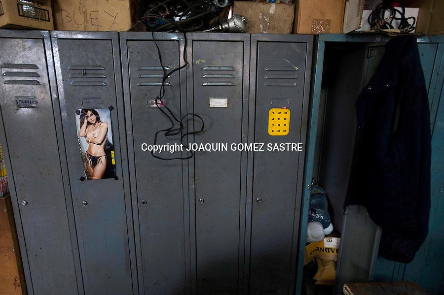 18 JUNIO 2012.LANGREO-ASTURIAS.Taquillas de los mineros del pozo candin en langreo-asturias.foto JOAQUIN GOMEZ SASTRE