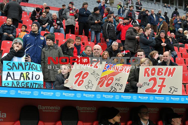 28.01.2018, BayArena, Leverkusen , GER, 1.FBL., Bayer 04 Leverkusen vs. 1. FSV Mainz 05<br /> im Bild / picture shows: <br /> Fans, freundlich, Stimmung, farbenfroh, Nationalfarbe, geschminkt, Emotionen, leverkusener mit Plakaten <br /> <br /> <br /> Foto &copy; nordphoto / Meuter